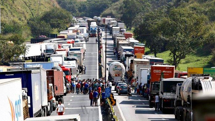greve-de-caminhoneiros-afeta-transporte-publico-no-rio-diz-entidade